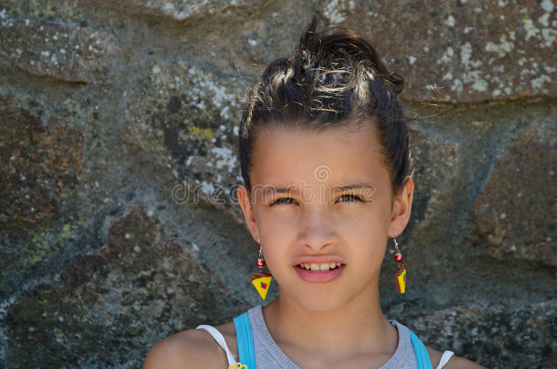 有耳环的孩子 库存图片