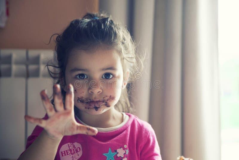 有肮脏的嘴的女孩 库存照片