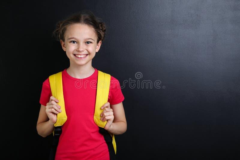 有背包的女孩 库存照片
