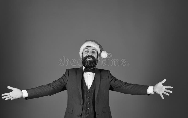 有胡子的经理假装拥抱 事务和庆祝 免版税库存图片