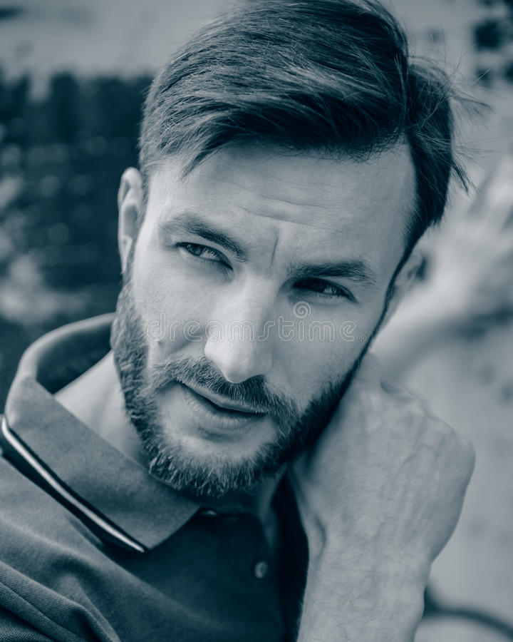 有胡子的英俊的人 免版税图库摄影
