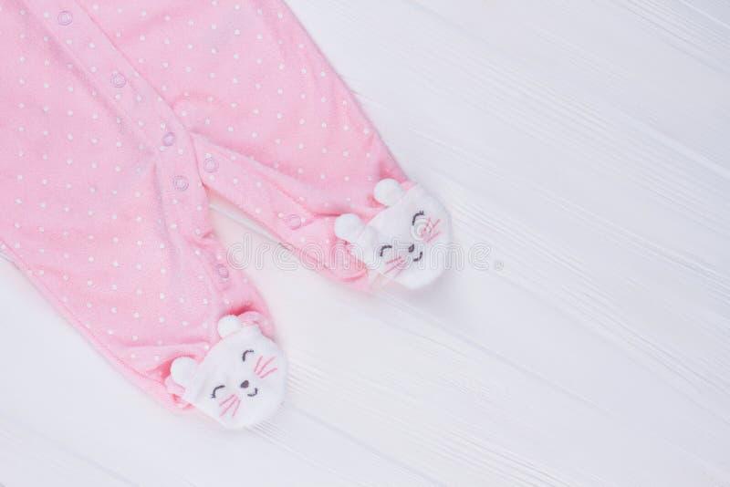 有脚的桃红色睡衣腿 库存照片
