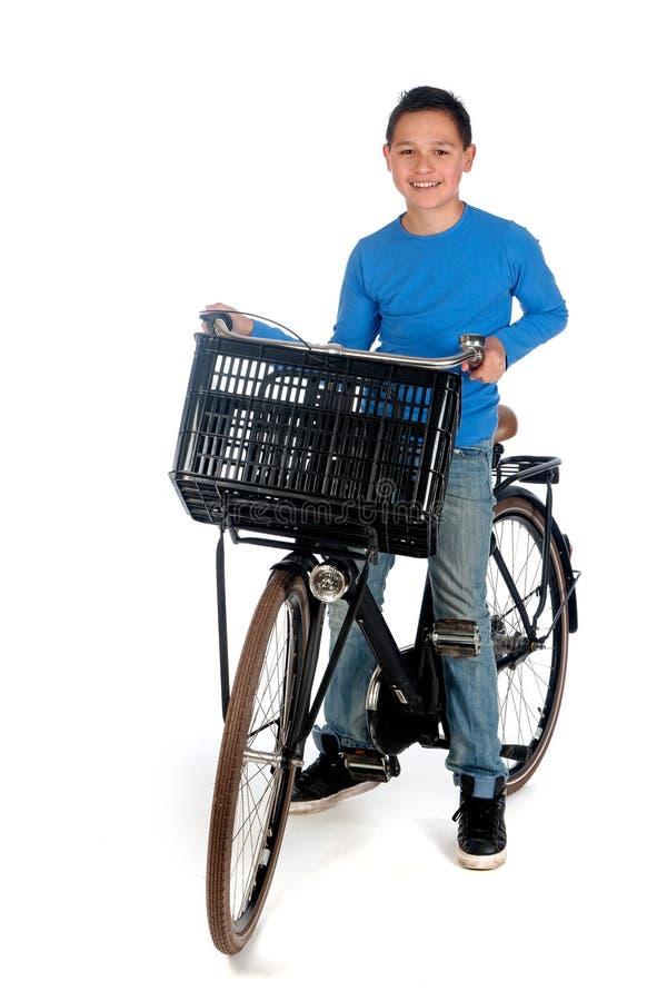 有自行车的男孩 免版税库存图片