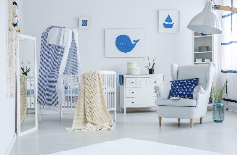 有船舶样式的蓝色枕头 免版税库存图片