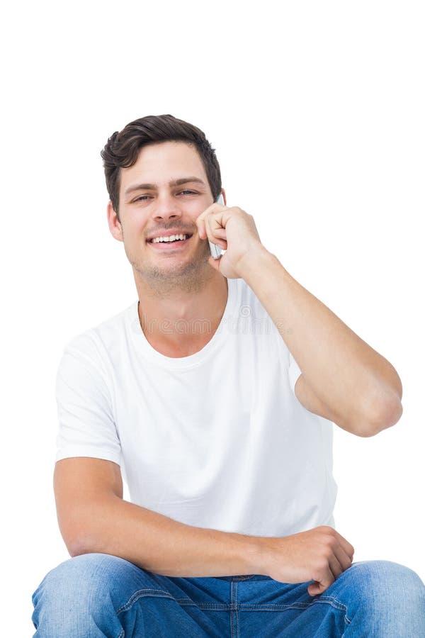 有英俊的人电话 免版税库存图片