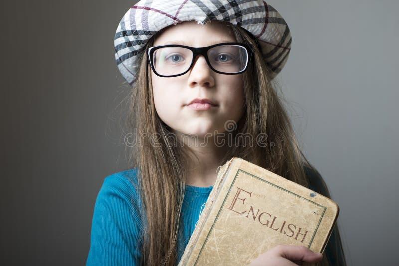 有英语的女孩 免版税库存图片