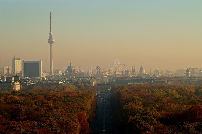 有蒂尔加滕公园的柏林全景 免版税库存图片