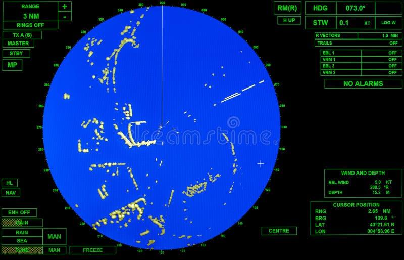 有蓝色圆的地图的现代船雷达显示器 免版税库存照片