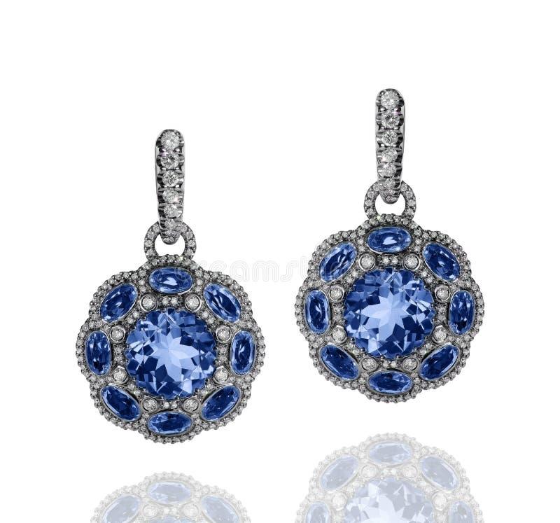 有蓝色青玉和白色金刚石的人造白金耳环 图库摄影