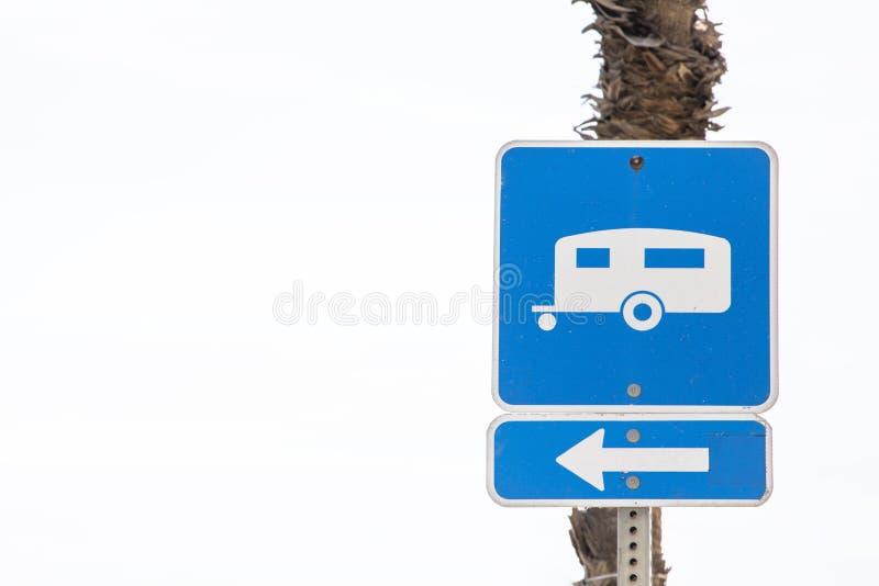 有蓬卡车停车处标志 免版税库存照片