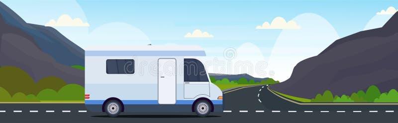 有蓬卡车汽车旅行在高速公路消遣旅行车野营的概念美丽的自然山环境美化 向量例证