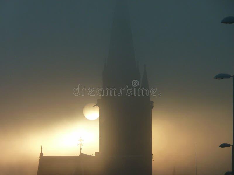有薄雾的日落 库存照片