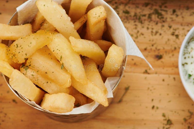 有薯条的碗 图库摄影