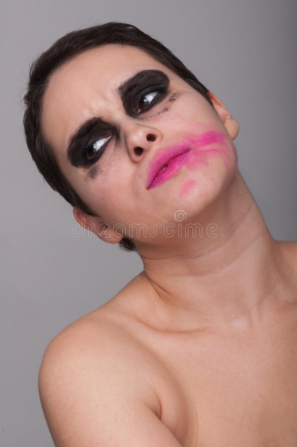 有被抹上的唇膏的时尚美丽的妇女 免版税库存图片