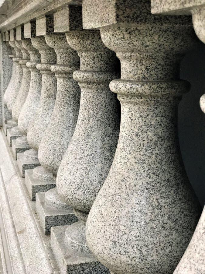 有被插入的圆润的柱子的à¸'ฺฺà¸'à¸'Building的墙壁 库存图片