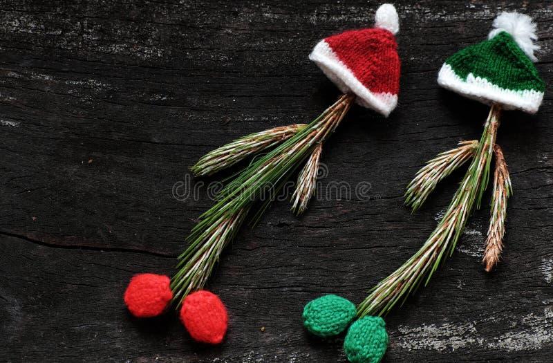有被编织的帽子的圣诞节小丑 免版税库存照片