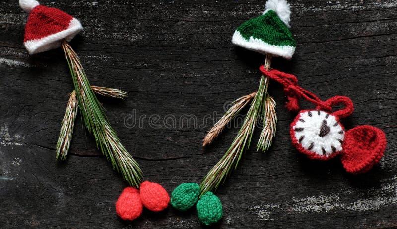 有被编织的帽子的圣诞节小丑 免版税库存图片