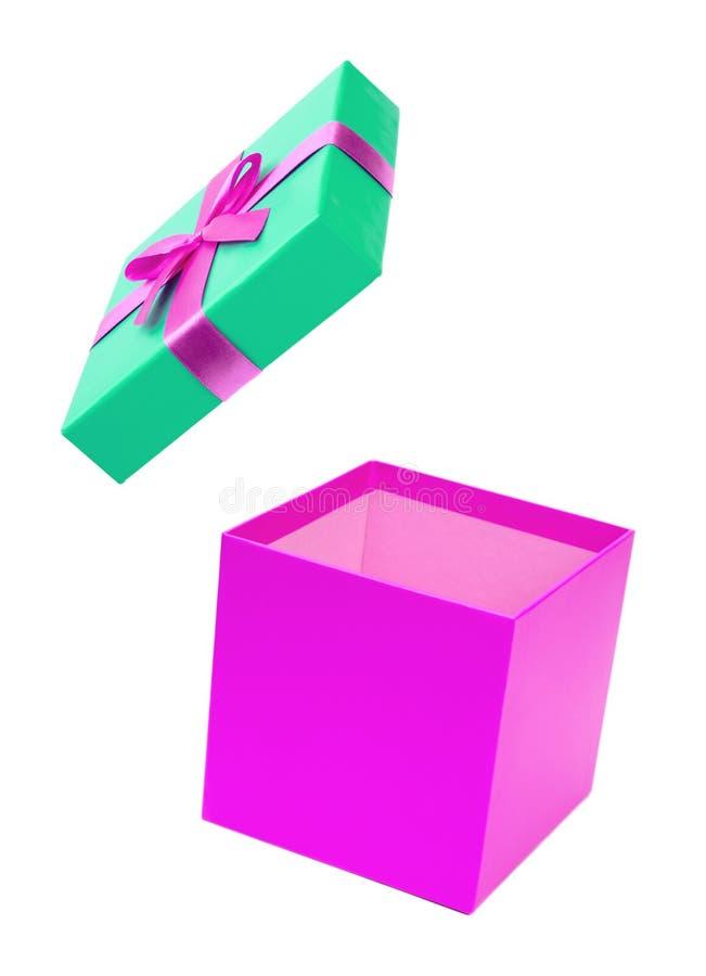 有被隔绝的丝带的紫色礼物盒 库存图片