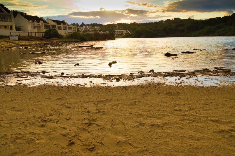 有议院的小盐水湖在日落期间 库存照片