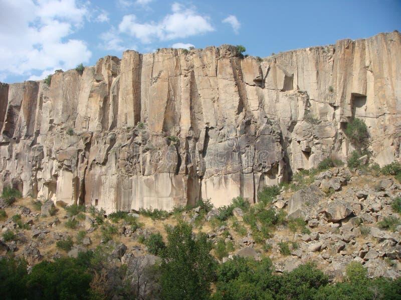 有趣的山从在Ihlara谷的一个地质观点在土耳其 库存图片