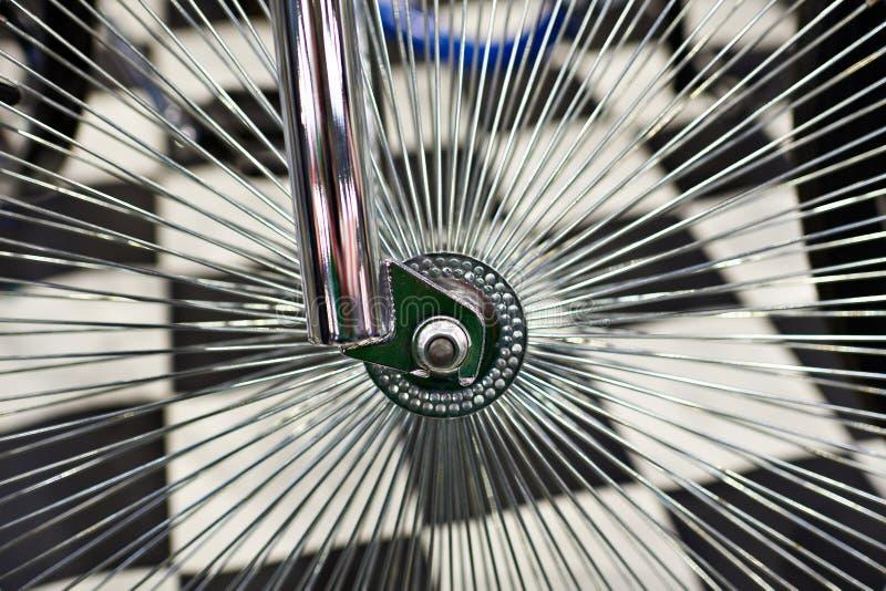有轮幅的习惯轮子葡萄酒自行车的 图库摄影