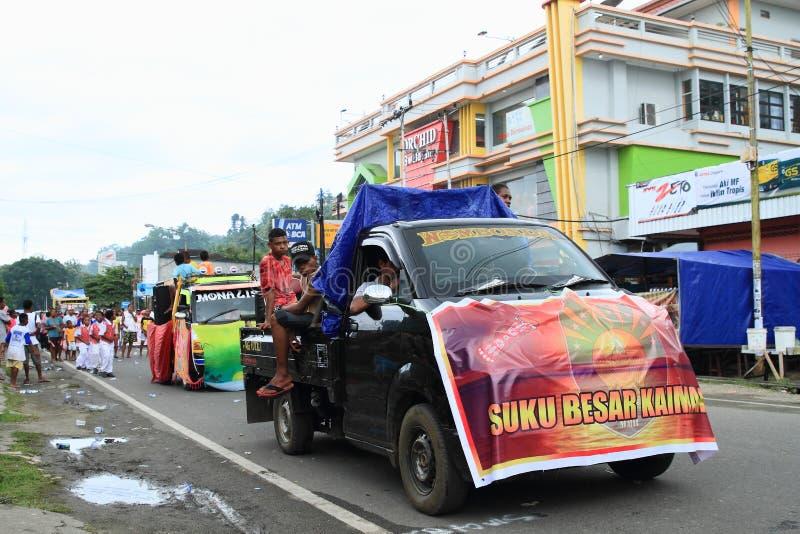 有部落Kaimana的标志的汽车 免版税图库摄影