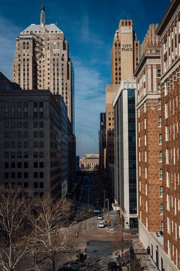 有都市风景的街市城市街道 库存图片