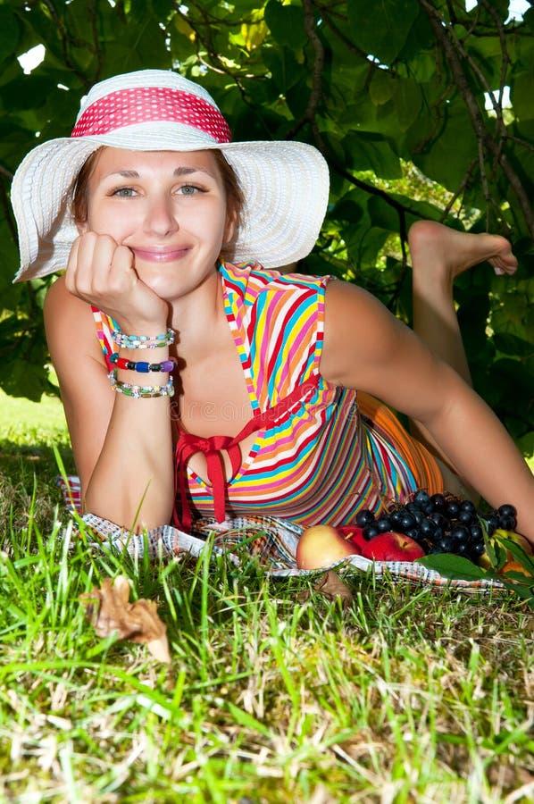 有野餐妇女 图库摄影
