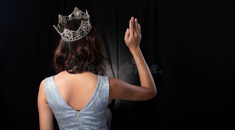 有金刚石冠的Pageant Contest Gown小姐礼服 图库摄影