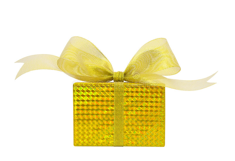 有金在白色backgroun隔绝的丝带弓的金黄礼物盒 免版税库存照片