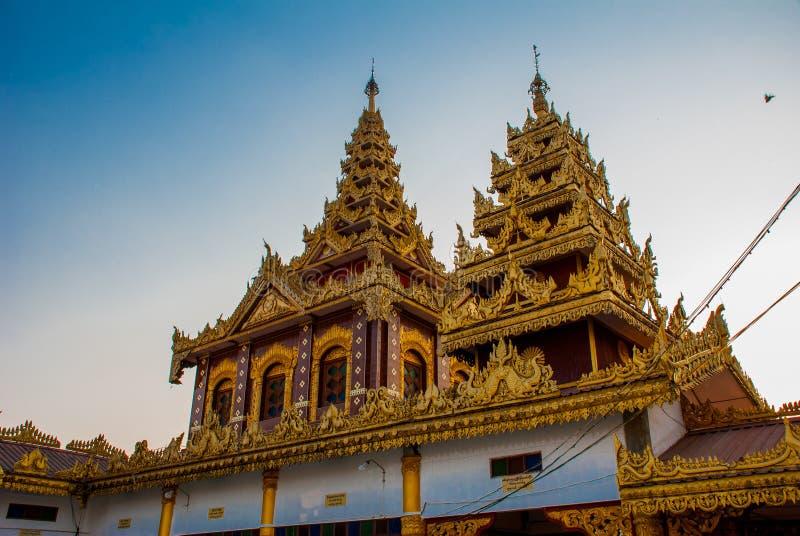 Download 有金子的美丽的寺庙在一个小镇Hha-an 缅甸 缅甸 库存图片. 图片 包括有 本质, 文化, 海岛, 风景 - 72353193