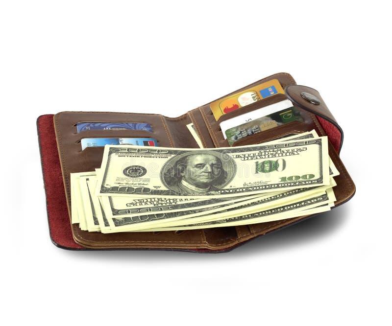 有金钱和信用卡的皮革钱包在白色背景 免版税图库摄影