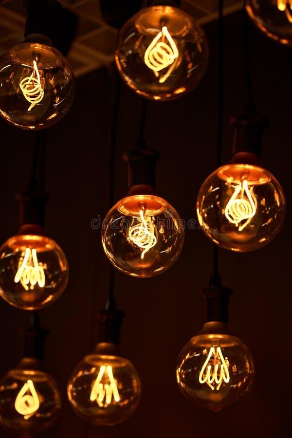 有钨细丝有趣的形状的灯  库存图片