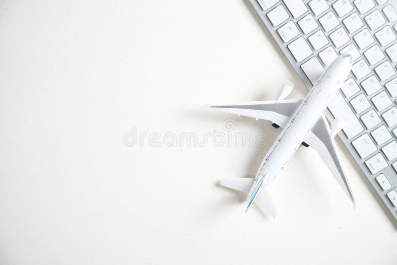 有键盘的飞机 在网上售票 图库摄影