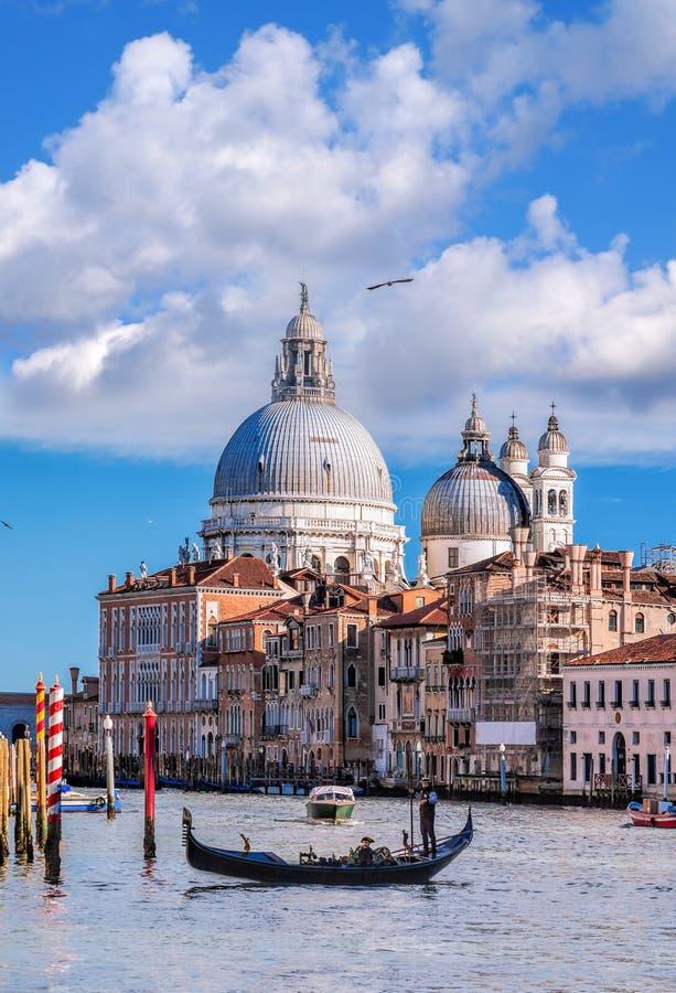 有长平底船的大运河在威尼斯,意大利 免版税库存照片