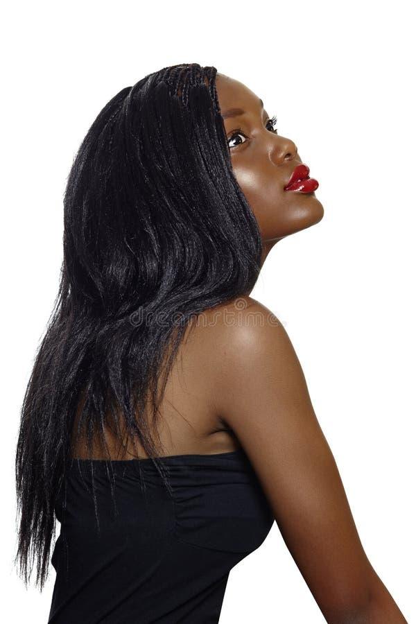 有长的头发的非洲美丽的妇女。 免版税图库摄影