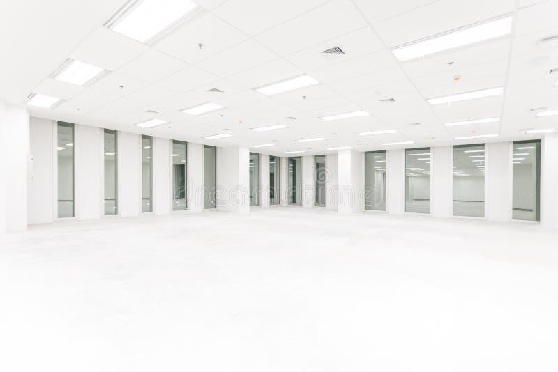 有长的窗口的,大霍尔,商店,内部,实验室, o空的室 图库摄影