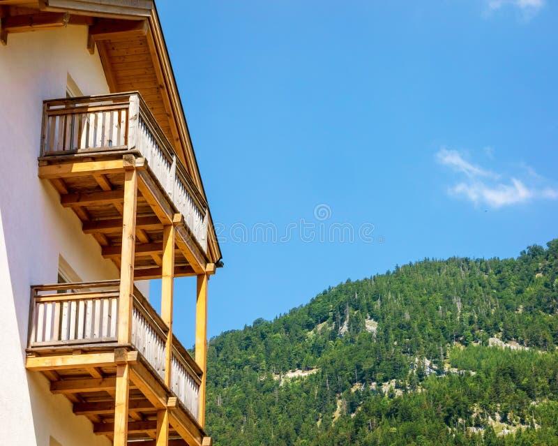 有阳台的之家 免版税库存图片