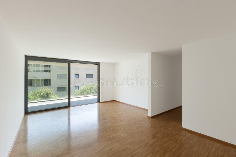 有阳台的空的客厅 免版税库存照片