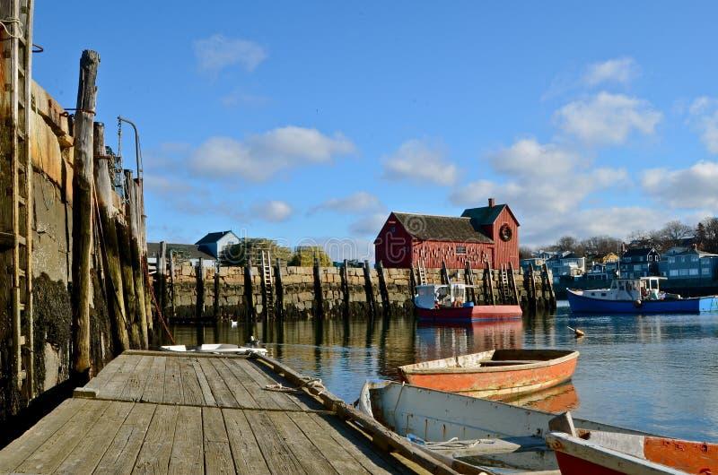 有附属的小船的浮船坞 免版税图库摄影