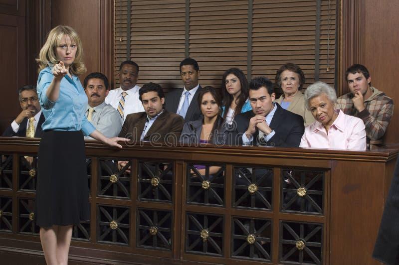 有陪审员的检察官法庭上 免版税库存照片