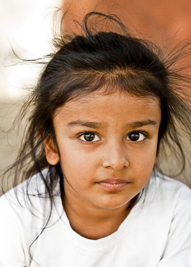 有难驾驭的头发的一个锡克教徒的男孩 库存照片