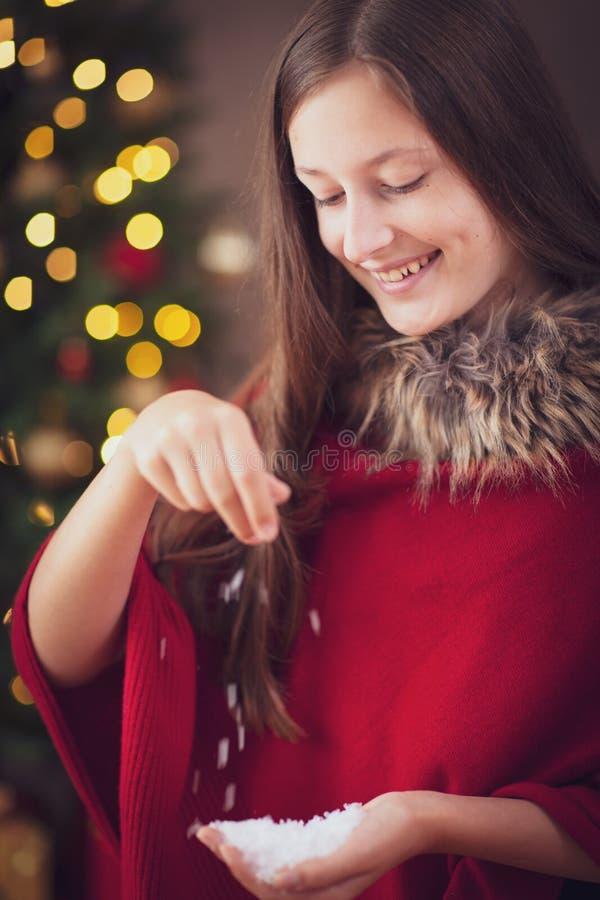 有雪的女孩 免版税库存照片