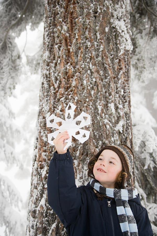Download 有雪花的男孩 库存照片. 图片 包括有 查找, 干净, 节假日, 白种人, 藏品, 人员, 冻结, 发现 - 62534622