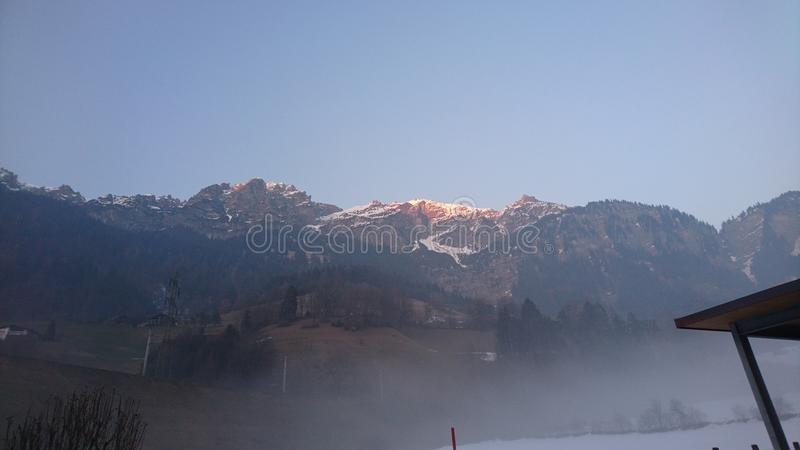 有雾的山 库存照片