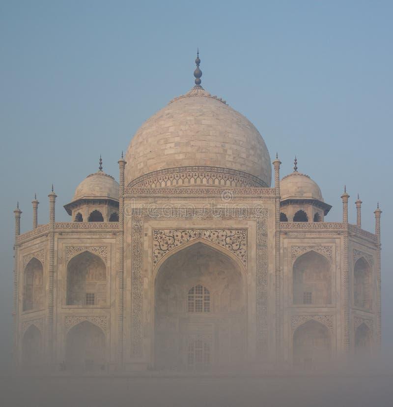 有雾的泰姬陵 库存照片