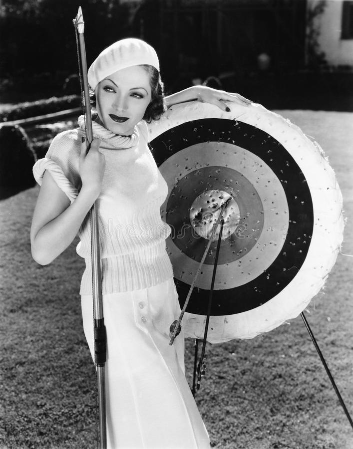 有靶心的女性射手(所有人被描述不更长生存,并且庄园不存在 供应商保单那里wi 库存照片