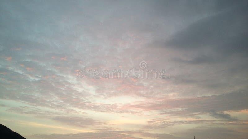 有风的日落 库存图片