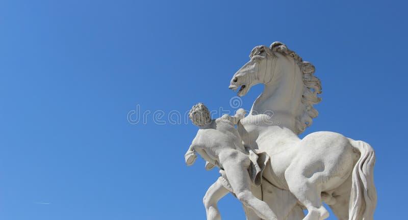 有马的雕塑和艺术人 库存照片