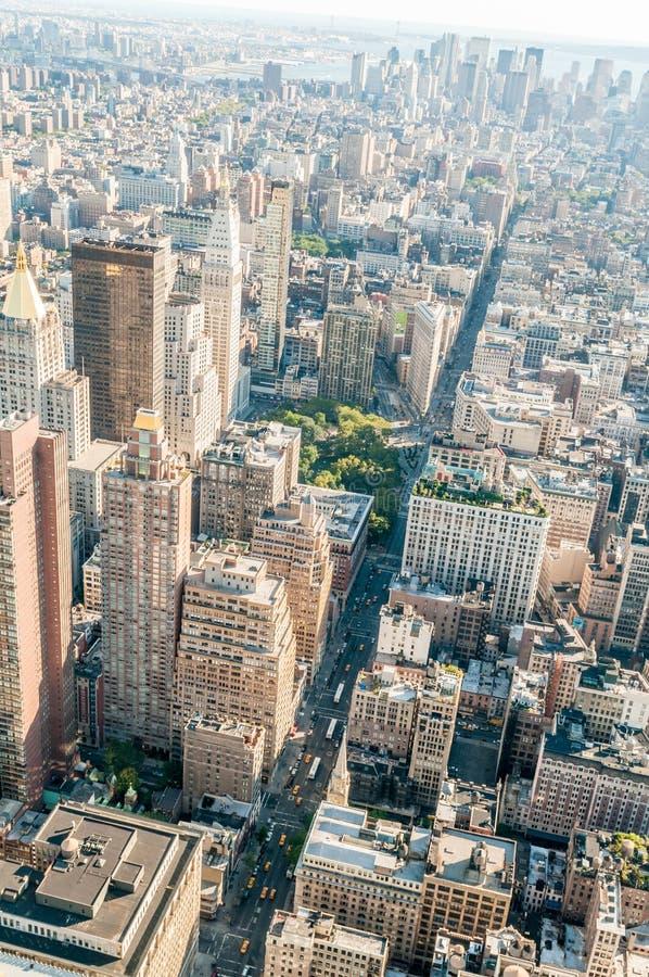 Download 有高摩天大楼的纽约全景 库存照片. 图片 包括有 申请人, 哈德森, 反映, 风景, 布琼布拉, 正方形 - 72360974